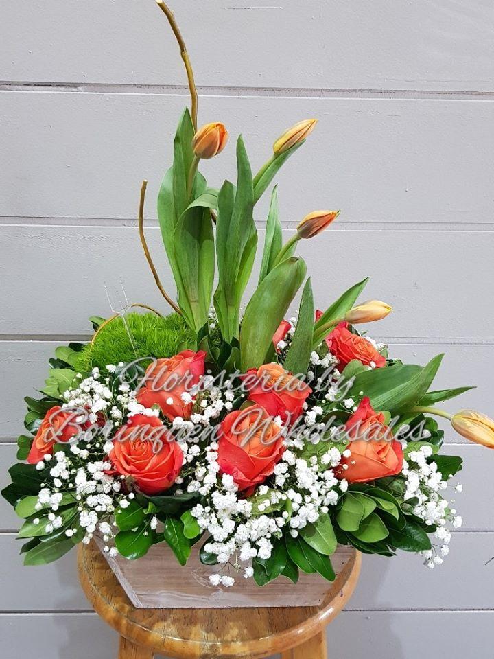 206 Rosas Y Tulipanes